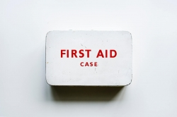 Photoshop Contest - First aid (1 Entry)