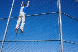 Photoshop Contest - fence climbing (0 Entries)